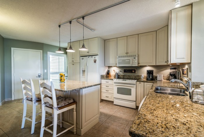 Updated kitchen in a St. Augustine condo rental in Florida